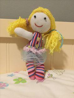 Muñeca con calcetines