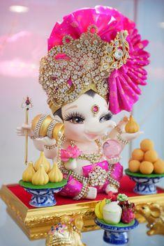 Shri Ganesh Images, Ganesha Pictures, Lord Krishna Images, Ganesh Chaturthi Decoration, Happy Ganesh Chaturthi Images, Jai Ganesh, Ganesh Lord, Shree Ganesh, Lord Ganesha Paintings