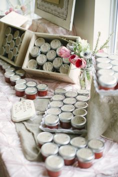homemade strawberry jam wedding favors- maybe not strawberry but this is great