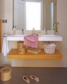 Love this wash stand!