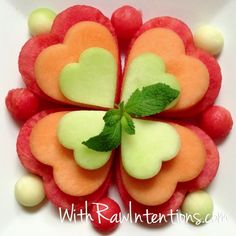 Melon Hearts! Made with heart-shaped cookie cutters #fruit #rawfood