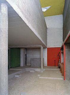 Ле Корбюзье / Le Corbusier. Интерьеры монастыря Sainte Marie de La Tourette, Eveux-sur-l'Arbresle, Франция. 1953-1960