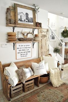 30 Stunning Traditional Farmhouse Decor Ideas For Your Entire House - Trendehouse. Dekor Ideen 30 Stunning Traditional Farmhouse Decor Ideas For Your Entire House - Trendehouse Retro Home Decor, Farm House Living Room, Interior, Home Decor, House Interior, Rustic Living Room, Living Decor, Living Room Designs, Rustic House