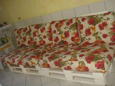 indoor DIY Pallet Sofa   Postado por Jessica Santin às 10:24 AM
