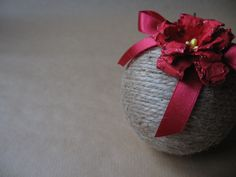 ProjectGallias Handmade Christmas bauble, Christmas ornament http://projectgallias.blogspot.com
