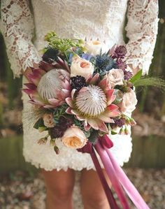 Deer Pearl Tree Hut Bouquet