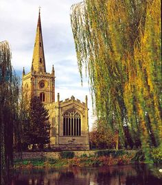 Church of the Holy Trinity, Stratford-Upon-Avon: One of the most beautiful, sweet churches I have ever stepped inside!