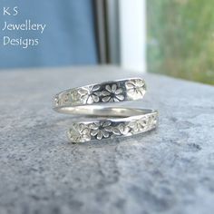 Wraparound Sterling Silver Ring - FLOWERS TEXTURE - Adjustable Open Band Ring £25.00