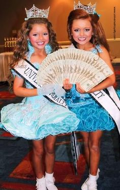 Universal Royalty® International Beauty Pageants is bringing the GLITZ and GLAM to Ireland, Australia, UK and Spain. Entry forms are now available, Register today! universalroyalty.com #universalroyalty