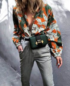 Designer Tasche / Fashion Week Street Style Week / P Looks Street Style, Looks Style, Street Style 2018, Street Styles, Latest Fashion For Women, Latest Fashion Trends, Womens Fashion, Look Fashion, Fashion Tips