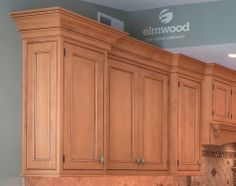 """*Moulding Monday"""" Large crown mouldings must be used in proportion to the space, but this design bears it well. EK31 above EK32 with a """"G"""" e..."""