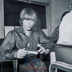 Brian Jones Rolling Stones, Los Rolling Stones, Brian Jones Death, Brian Lewis, Irish Rock, Rollin Stones, Elevator Music, Gifs, Dj Booth