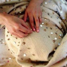 MOROCCO - an artisan making a Moroccan wedding blanket Moroccan Decor, Moroccan Style, Diy Pillows, Decorative Pillows, Cushion Embroidery, Moroccan Wedding Blanket, Woven Rug, Handmade Shop, Home Decor Accessories
