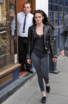 Kristen Stewart Photo - Kristen Stewart Gets Lunch in Paris