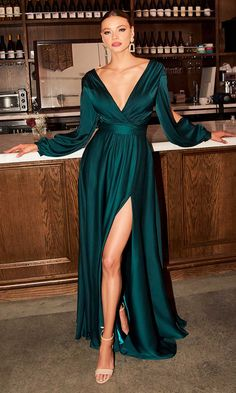 Elegant Dresses, Pretty Dresses, Beautiful Dresses, Long Dress Formal Elegant, Maxi Dress With Sleeves, Long Sleeve Formal Dress, Bridesmaid Dresses Long Sleeve, One Sleeve Dress, Formal Dresses With Sleeves
