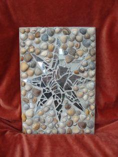 mozaik van schelpen en spiegel