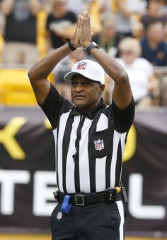 How many sports fans can tell me what this NFL Referee is telling the crowd  and both teams what happened  I ll give you a hint. it s when the defense  team ... b1e3fe17d