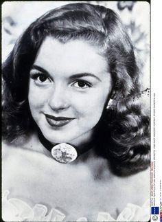 1944, Marilyn Monroe n'a que 18 ans, sa crinière peroxydée n'est pas encore d'actualitéMandatory Credit: Photo by REX/SNAP…