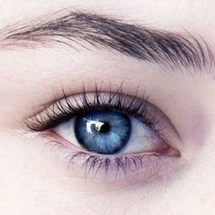 Via's human eye color Beautiful Eyes Color, Pretty Eyes, Cool Eyes, Gorgeous Makeup, Dramatic Eye Makeup, Blue Eye Makeup, Hooded Eye Makeup, Blue Eyes Aesthetic, Aesthetic Girl
