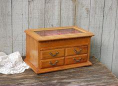 SchmuckBox Vintage Holz Eiche Schmuck Brust von TheVintageArtistry