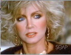 Donna Mills' eyes were the envy of every prime time soap actress. Retro Makeup, Vintage Makeup, Famous Celebrities, Beautiful Celebrities, Beauty Secrets, Beauty Hacks, Blond, Dallas, Donna Mills
