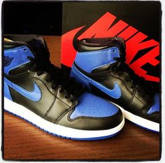 Nike (Jordan 1 Royal Blue)