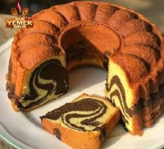Image may contain: food Indonesian Desserts, Asian Desserts, Marble Cake Recipes, Dessert Recipes, Marbel Cake, Bolu Cake, Cake Oven, Resep Cake, Traditional Cakes
