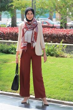 hijab chic palazzo pants Latest hijab trends http://www.justtrendygirls.com/latest-hijab-trends/