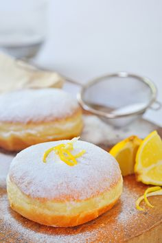 donut with lemon only a pic no recipe. Reminder must have.