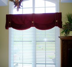 cornice board over panels in a bay window | DSC02743(pp_w1200_h1119).jpg