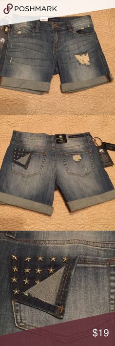 NWT embellished Rock & Republic shorts They have distressing and rolled cuffs that can be rolled down to make them longer. There are 3-D star embellishments. Bundle and get $3 off. Can't be combined with other offers. Smoke free house. Rock & Republic Shorts Jean Shorts