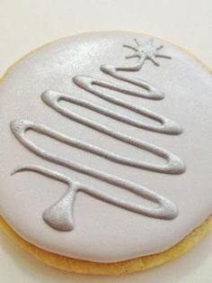 Contemporary Christmas Tree Cookies by daphne Christmas Tree Cookies, Iced Cookies, Cute Cookies, Christmas Sweets, Christmas Cooking, Noel Christmas, Cookies Et Biscuits, Holiday Cookies, Cupcake Cookies