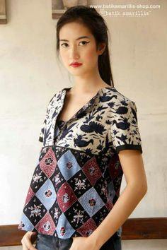 Batik amarillis blossom blouse