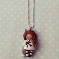 Collier Petite fille licorne chatain en blanc - 3 : Collier par madame-manon