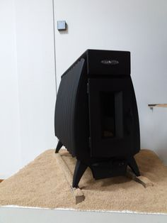 Bio Stove. Wood burning stove. Stufa a legna a convettività naturale Battery fire 16 kw