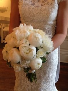 Classic white peony bouquet - my favourite and absolutely stunning