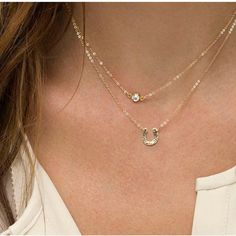 Diamond Leaf Necklace in Solid Gold / Gold Necklace / Leaf Charm Necklace - Fine Jewelry Ideas Charm Jewelry, Jewelry Necklaces, Gold Necklace, Pendant Necklace, Gold Bracelets, Gold Earrings, Layer Necklace, Dainty Jewelry, Necklace Chain