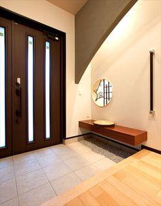 写真ギャラリー|建築事例|注文住宅|ダイワハウス Japan Interior, Japanese Interior Design, Duplex Design, House Design, Foyer Colors, Japanese Door, Asian House, Condo Living, House Entrance