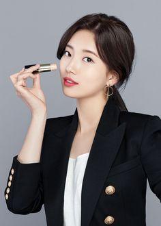 Suzy for Lancome 'Teint Idole Ultra Wear' Collection. Miss A Suzy, Bae Suzy, Female Poses, Korean Celebrities, Girl Day, Lancome, Most Beautiful Women, Daniel Wellington, Korean Girl