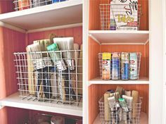 A Lavanderia Organizada e Criativa de Elsie Lerson - Dicas de Como Organizar a Lavanderia - Como Organizar - Organize - Personal Organizer - Organização - Dicas de Como Organizar - Organize Tips - Organização de Lavanderia - Organização de Armários - Lavanderia - Laundry - #BlogDecostore - Color Laundry - Lavanderia Planejada - Móveis Planejados para Lavanderia - Lavanderias Decoradas - Decoração de Lavanderias - Laundry Decor  - #BlogDecostore
