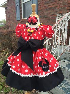 Personalizado hecho Minnie Mouse vestido cumpleaños partido