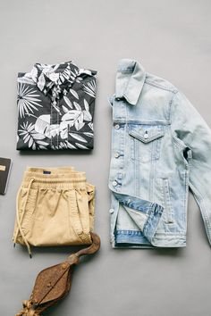 It's never too soon for tropical daydreams. Wear a classic Gap denim jacket with jogger shorts for a relaxed spring look. Browse new men's arrivals now.