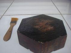 Asbak kayu model Logo Vespa Waruh Tampak Belakang