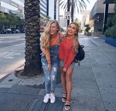 me and catie Saffron Barker, Look 2018, Loren Gray, Real Friends, Celebs, Celebrities, Coloring For Kids, My Idol, Youtubers