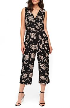 Find and compare Wallis Daisy Wide Leg Jumpsuit across the world's largest fashion stores! Boho Fashion, Girl Fashion, Fashion Outfits, Fashion Design, Simple Outfits, Casual Outfits, Dresses For Teens, Summer Dresses, Uniqlo Dresses