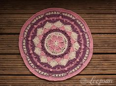 Testing another free crochet pattern for LookatwhatImade: Sophie's Mandala Crochet Round, Love Crochet, Crochet Granny, Crochet Doilies, Crochet Flowers, Crochet Ideas, Crochet Projects, Crochet Patterns, Mandala Colour