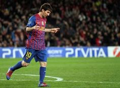 Lionel Messi reaches 82 goals as Barcelona stay clear