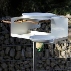 Vogeltränke mit Stab von Oppossum Design bei ikarus