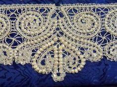 Beaded bobbin lace