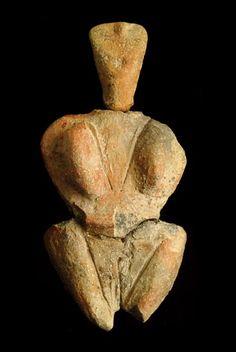 Skorba, from megalithic Malta, about BCE Christian World, Early Humans, Mother Goddess, Idole, Bronze Age, Archetypes, Ancient Art, Malta, Rock Art
